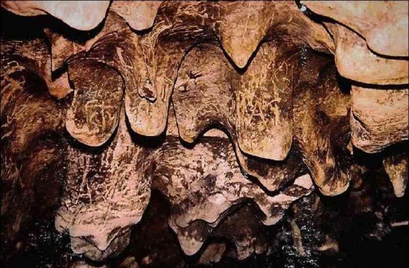 patal bhubhneshwar cave india tour